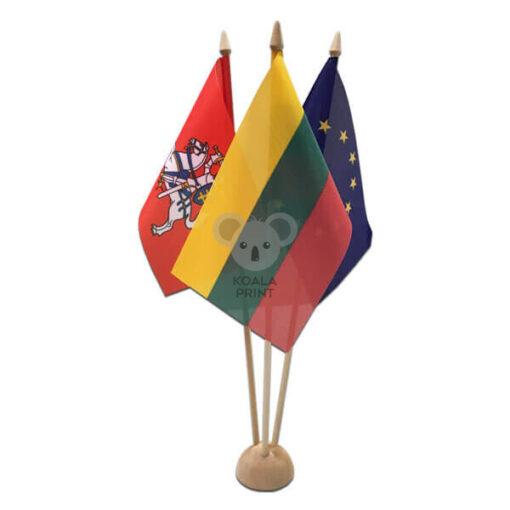 Trivietis medinis vėliavėlės stovelis II